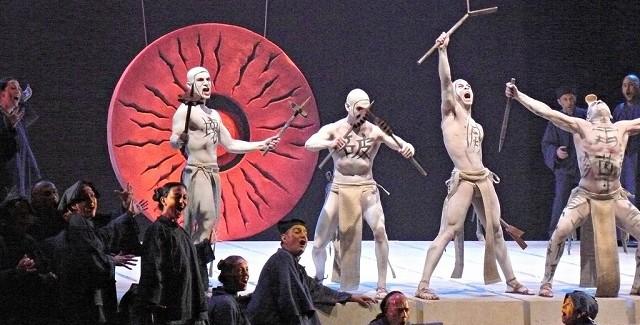 Puccini e il SI bemolle siderale, la Turandot con le scenografie di Pinuccio Sciola