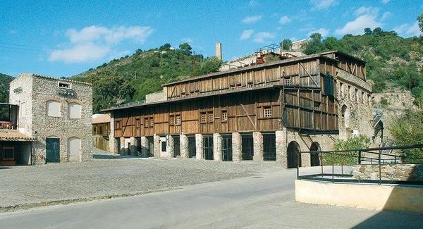 In viaggio per il Sulcis. Storie e miniere a Rosas, musica di De André nel Castello del Conte Ugolino