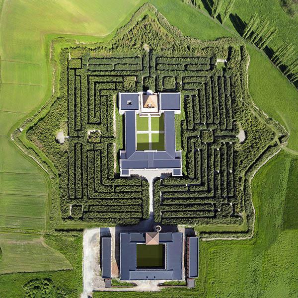 Fig. 7 - Il labirinto del Masone realizzato a Fontanellato (Parma) da Franco Maria Ricci