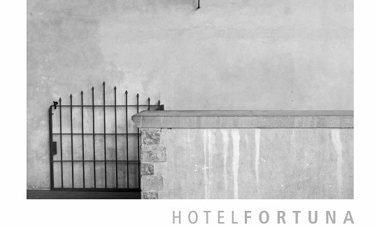 """Cagliari alla Mediateca del Mediterraneo la mostra fotografica """"Hotel Fortuna"""""""