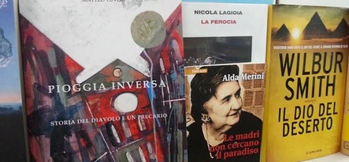 """""""Pioggia inversa. Storia del Diavolo e un precario"""" il libro di Matteo Tuveri alla libreria Murru di Cagliari"""