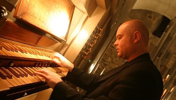Ruffano, concerto di inaugurazione di un antico organo restaurato