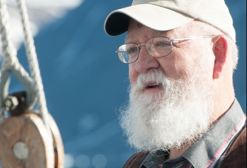 Danien Dennett