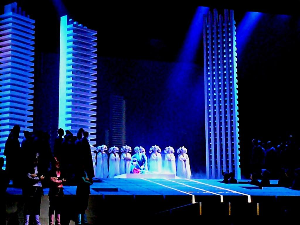 turandot, scenografia di Pinuccio Sciola