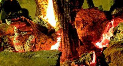 I Mamuthones e il fuoco: istinto primordiale e purificazione
