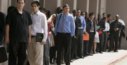 Fila di disoccupati