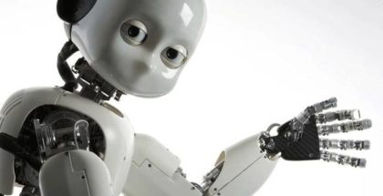Robot che saluta