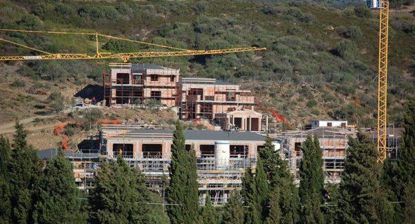 Speculazione Edilizia all'Assalto delle Coste della Sardegna