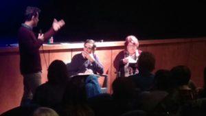 Lorenzoni ascolta una domanda del pubblico