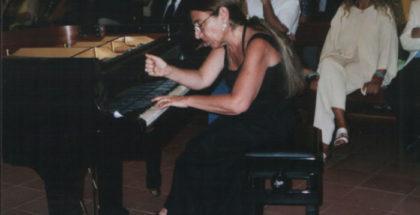 Mirta Herrera al pianoforte