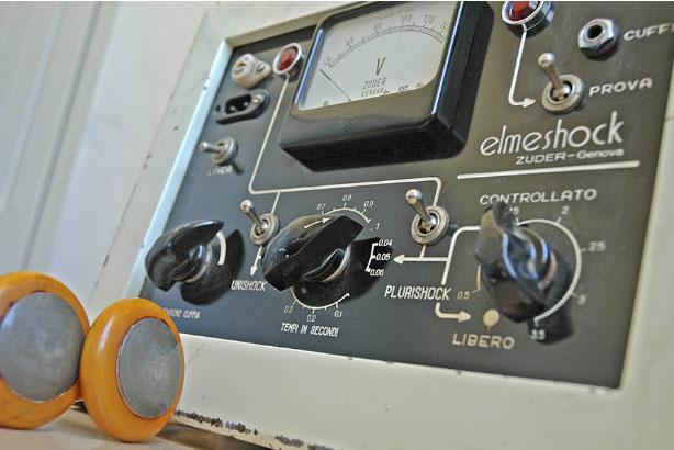 Elettroshock di Giusy Calia