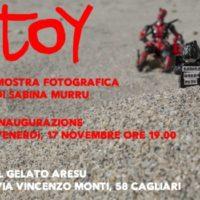 """""""TOY"""", la mostra fotografica di Sabina Murru a Cagliari"""