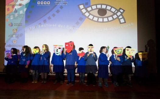 Piccoli illustratori in erba crescono a Passaggi d'Autore: applausi per il corto di animazione realizzato dai bambini della scuola primaria condotto da Magda Guidi