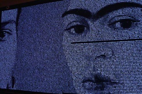 Frida Milano: le frasi in un fascio di luce al Mudec