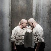 Macbettu ha mortu su sonnu! Uno Shakespeare in limba sarda per la regia di Alessandro Serra.
