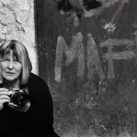 La grande fotografa Letizia Battaglia apre a Cagliari il festival Pazza Idea